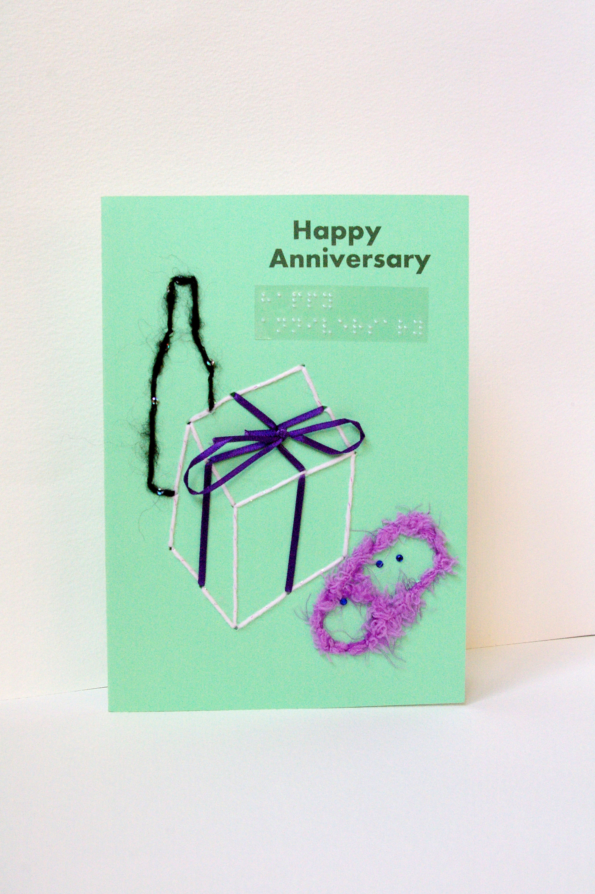happy anniversary card bottle with presents